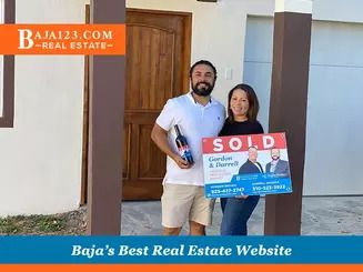 Darrell & Gordon's Happy clients after a record time closing at Castillos del Mar