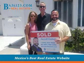 Closing a Deal with Satisfied Clients at Castillos del Mar